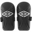 Caneleira Umbro Attak S/T Adulto
