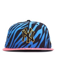 Bon� New Era 9FIFTY Strapback New York Yankees Blue/Printed/Salmon