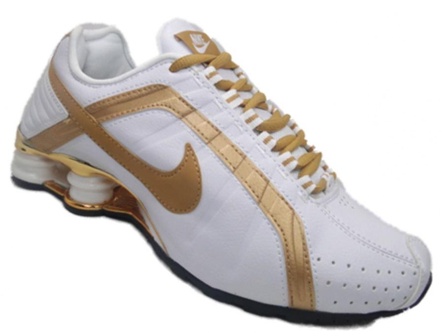 Tenis Nike Shox Junior cromado branco e dourado 826204cd7492d